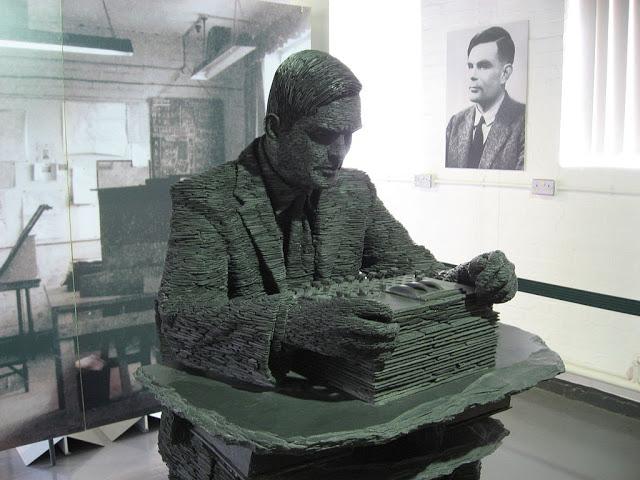 El filósofo y matemático, Alan Turing
