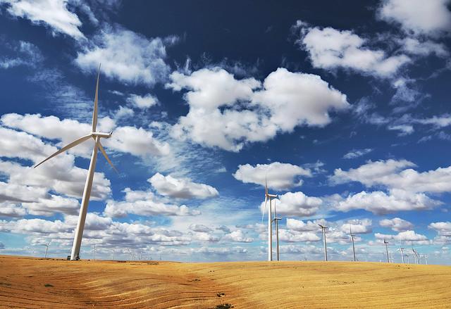 eficiencia-energetica-y-renovables-aspectos-estrategicos-para-cloud
