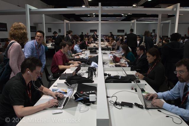 """Sala de prensa del MWC: las telecomunicaciones """"en la sombra"""" que hacen posible el evento"""