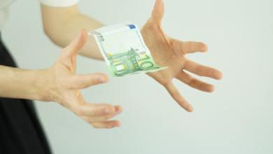 cómo ganar dinero con productos gratuitos