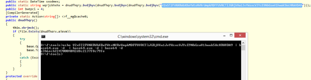 Zona del código donde aparece la contraseña y cómo decodificarla en base64. Pulsa para ampliar