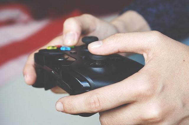 Figura 0: Jugador de videojuegos.