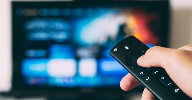 Historias de la luna y el dedo: por qué Samsung anima a analizar tu televisión contra el malware