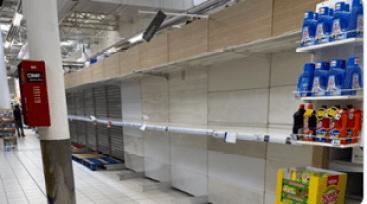 Estantes vacíos en los supermercados