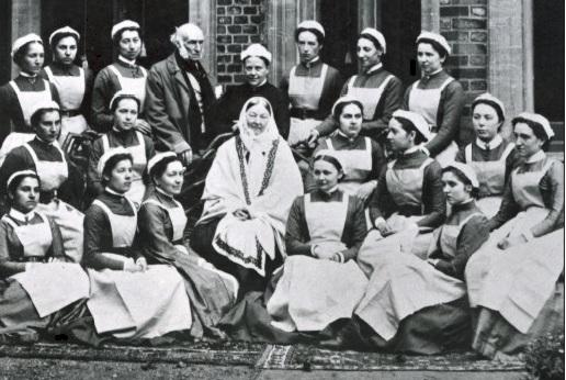 Figura 2: Florence Nightingale en Saint Thomas (FormerBBC, CC BY-SA 4.0)