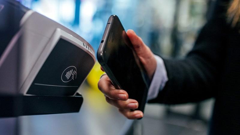 Pagar o no pagar a los criminales que cifran los datos de una compañía